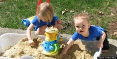 PORTABLE SAND BOX. Great Idea...30 Parent Hacks To Keep The Kids Busy (And You Sane) For The Rest Of Summer