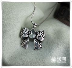 Vintage Silver Bow Rhinestone Necklace ★ US$11.03-VogueBeauty