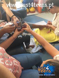 Brindes e diversão numa festa just4spa... Festas no spa com a just4teens!