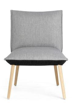 Ce fauteuil Soft & Soda trouvera parfaitement sa place dans le coin salon et deviendra vite l'allié de vos soirées TV. Fauteuil à piétement bois bicolore et confortable. Collection Soft&Soda, un design de Mobitec