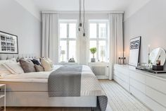Home Decorating Ideas Bedroom Scandinavian bedroom with Malm dressers Scandinavian Bedroom Decor, Home Decor Bedroom, Scandinavian Style, Bedroom Ideas, Industrial Scandinavian, Scandinavian Apartment, Bedroom Inspo, Trendy Bedroom, Modern Bedroom