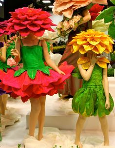 Tailored Flowers at the Royal Adelaide Show: A Photo Essay - Bitten by the Travel Bug Flower dresses at the Royal Adelaide Show by Jenny Gillies **** These are the flowers Noah liked best. Costume Carnaval, Carnival Costumes, Baby Costumes, Cosplay Costumes, Halloween Costumes, Children Costumes, Halloween Halloween, Vintage Halloween, Halloween Makeup