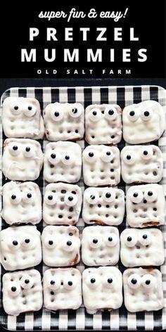 Waffle Pretzel Mummies #halloweentreats #halloweenrecipes #halloweensnacks #halloweenparty #halloweenfood #halloweenpartyfood #pretzelrecipes #kidssnacks #halloweenfun #simplehalloweenideas #easyhalloweentreats #candymelts Halloween Snacks, Easy Halloween, Halloween Party, Halloween Decorations, White Chocolate Chips, Chocolate Dipped, Melting Chocolate, Holiday Desserts, Holiday Baking