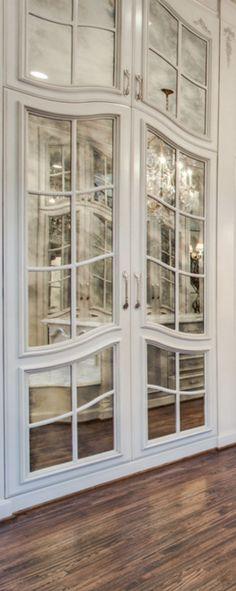 http://credito.digimkts.com El mal crédito es malo para usted, su familia y su futuro. Estamos dispuestos a ayudarle hoy. Llame ahora. (844) 897-3018 closet detail Old World, Mediterranean, Italian, Spanish & Tuscan Homes Design & Decor