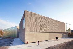 deAlzua+ - Multi-purpose sports hall . Mouvaux