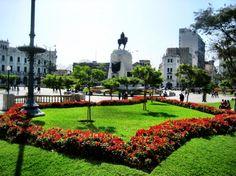 Plaza de San Martin - Lima, Peru En memoria de el gran liberador se llama José de San Martín.