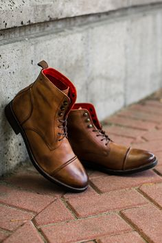 Like a fine wine, the high-quality leather of Base London Clapham boots only gets better with age.