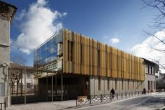 Twin extentions of 2 elementay schools in Courbevoie / BP Architectures