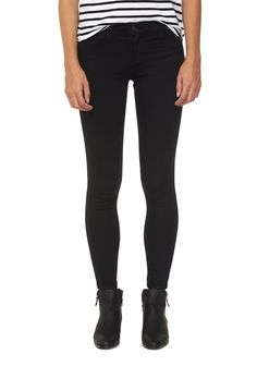 The Jegging is the ultimate skinny fit you have to have! Not a jean not a legging but the perfect combination of the two! Composition: 73% Cotton 25% Polyester 2% Elastane Please Note: Select Colours May Vary In Composition. Model wears size 8.