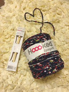 ズパゲッティ(zpagetti)の編み方 ティッシュカバー T Shirt Yarn, Diy And Crafts, Christmas Ornaments, Knitting, Holiday Decor, Handmade, Patterns, Summer, Fabric