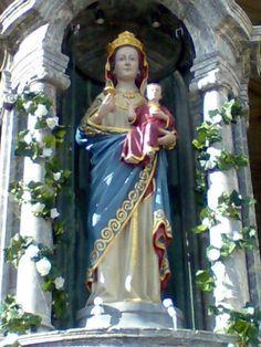 Preciosas Virgen Blanca, patrona de Vitoria-Gasteiz. Fiesta en su honor 5 de Agosto