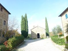 80m2 apartment in idilic hamlet with swimming pool and tennis. www.tuscany-apartments.net