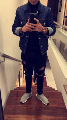 Craving more? Trendy Mens Fashion, Fashion Tv, Urban Fashion, Fashion Outfits, Fresh Outfits, Classic Outfits, Simple Outfits, Look Man, Masculine Style