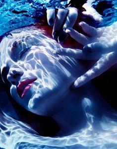 #blueartisticphotography#bluetumblrideas#hotbody#nude#underwater#hotredlips#redhairgirl