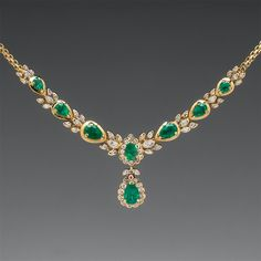 Capture the Essence! of India's Maharani's with this exquisite Vintage Emerald and Diamond Necklace. Featuring 12.5 carats of emeralds, this necklace is truly fit for a Queen. Photo ©2015 EraGem Jewelry.