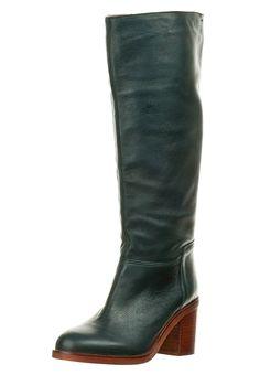 dunkelgrüne Stiefel aus der Zalando Collection http://zln.do/S6M53M