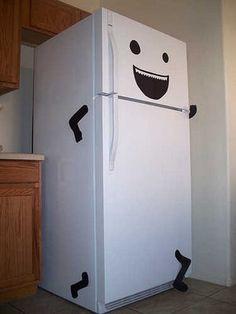 Ahorrar Energía.- Consejos para ahorrar energía en el hogar. QUINTO CONSEJO HOGAR. Mantenga la puerta de su frigorífico cerrada y ábrala lo menos posible. Recuerde que cada vez que se abre, se pierde el 20% de energía. Evite ubicar el frigorífico o congeladores cerca de fuentes de calor que provoque un mal funcionamiento, el consumo puede llegar a ser 3 veces mayor al normal.