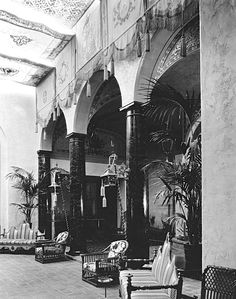 The incredible lobby area of the famed Knickerbocker Hotel