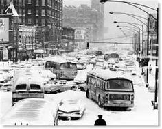 February 1967 Chicago Blizzard I made it home on the bus that day! Chicago Tribune, Chicago Illinois, Chicago Bears, Winter In Chicago, Chicago Snow, Chicago Christmas, Christmas Stuff, Merry Christmas, Toronto