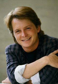 Michael J. Fox sorrindo.