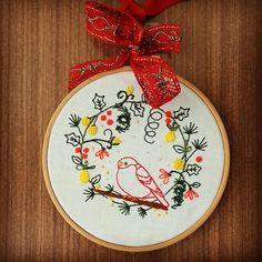 #littlestitchesportugal #hoopartwork #ricamo #bordadoamão #bordadolivre #bordadomoderno #bordado #ricamo #textilework #madeinportugal #needlework #needlepoint #needleart
