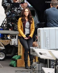 "Actress Megan Fox back on set for reshoots of the upcoming movie ""Teenage Mutant Ninja Turtles"" filming http://www.icelebz.com/events/actress_megan_fox_back_on_set_for_reshoots_of_the_upcoming_movie_teenage_mutant_ninja_turtles_filming/photo1.html"