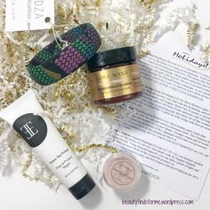 December's theme for Kloverbox is Happy Holidays, bring products that will help you shine! Kloverbox is a subscription box that not only is natural and has a focus on indie brands, but they …