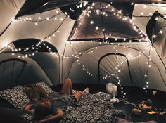 Tent camping with friends adventure Ideas for 2019 Fun Sleepover Ideas, Sleepover Party, Girl Sleepover, Summer Nights, Summer Vibes, Late Nights, Zelt Camping, Dream Dates, Cute Date Ideas