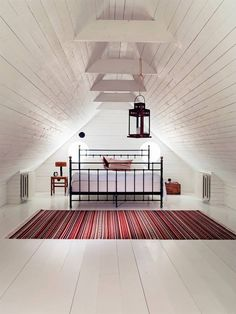 ATTIC – bedroom English-style cottage in the Swedish countryside Design Case, Küchen Design, House Design, Attic Renovation, Attic Remodel, Style At Home, Interior Exterior, Interior Design, Attic Inspiration