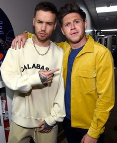 2 of my beautiful boys. Niall Horan y Liam Payne (it was actually a live with these 2 when first got off of XFactor that I fell in love with Niall) One Direction Harry Styles, One Direction Fotos, Four One Direction, One Direction Wallpaper, One Direction Humor, One Direction Pictures, Direction Quotes, Liam Payne, Zayn Malik
