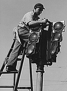 #TBT to one of the first traffic signals installed in the US. #StopOnRed