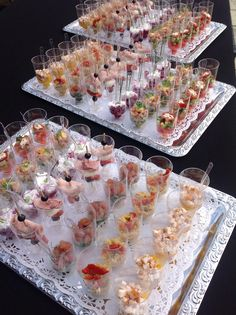 Home - Hospitali-Tea Catering Party Finger Foods, Snacks Für Party, Fingers Food, Good Food, Yummy Food, Vegan Appetizers, Christmas Appetizers, Mini Foods, Appetisers