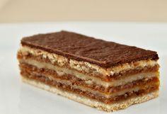 Bakine žerbo kocke: Starinski kolač koji se topi u ustima! Zserbo Recipe, Holiday Dinner, Winter Holidays, Tiramisu, Goodies, Menu, Yummy Food, Sweets, Ethnic Recipes