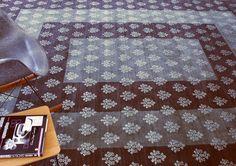Moderner Teppich der Nila Collection