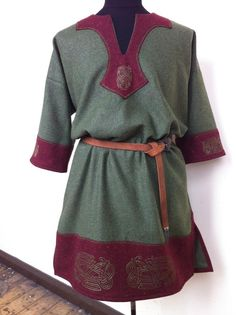 Celtic Tunic green and red by RobynGoodfellow.deviantart.com