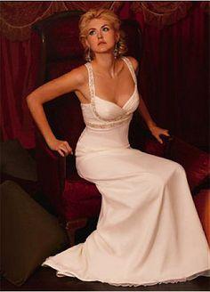 $205.01 Exquisite Chiffon Mermaid V-neck Prom Dress