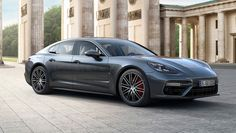The 2017 Porsche Panamera Presents a Powerful Split Personality | Automobiles