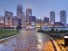 Visiting Beantown on a budget? Boston has plenty of freebies for penny-pinching students, from its top-notch art museums to grand historical landmarks. Here are 43 things to do for free in Boston. Boston Vacation, Boston Travel, Vacation Spots, Vacation Ideas, Oh The Places You'll Go, Places To Travel, Places To Visit, Boston Things To Do, 43 Things