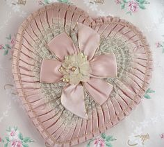 Creating your own: Vintage Valentine Candy Box by such pretty things