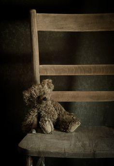 Amy Weiss  photograph of a sad bear