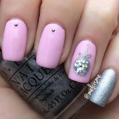 Pinkmas nails by Instagram user: melcisme #opi #pink #nails #christmasnails