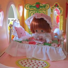 Bed, Bedspread & Pillow for Strawberry Shortcake Berry Happy Home Doll | Brown Eyed Rose