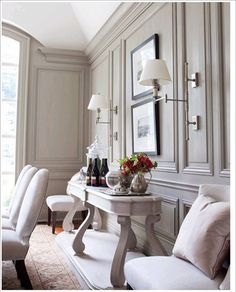 Love this molding! Not sure it's on the DIY scale, though!