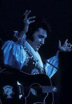 Elvis Presley Last Concert, Elvis Presley News, Elvis Presley Photos, Nassau Coliseum, Lisa Marie Presley, Rhythm And Blues, Rare Pictures, Graceland