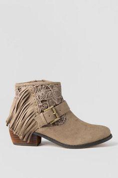 158dc9489a8 77 best ❤ Shoes ❤ images on Pinterest