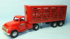 VINTAGE 1950′s TONKA LIVESTOCK CATTLE TRUCK & TRAILER PRESSED STEEL TOY