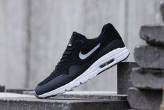 Nike Womens Air Max 1 Ultra Moire - SneakerNews.com