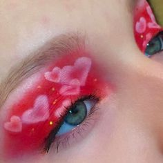 many types of eye makeup are there makeup looks easy makeup for 30 year old to eye makeup over 50 makeup looks for blue eyes makeup makeup for 47 year old do eye makeup Kiss Makeup, Cute Makeup, Glam Makeup, Makeup Inspo, Makeup Art, Makeup Inspiration, Makeup Looks, Hair Makeup, Perfect Makeup