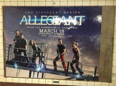Da série: anúncio na estação do metrô na The City: por onde eu ando...tenho o prazer de encontrá-los! Não dá mesmo para esquecê-los!  #convergente