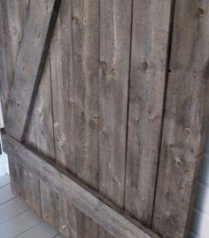 Bygg en ladugårdsdörr att ha inomhus